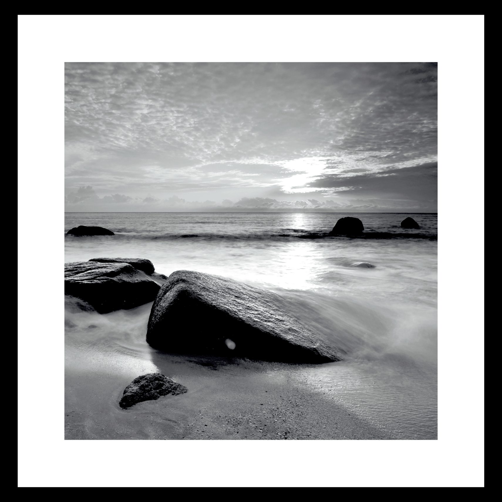 ART GALLERY Plakat 50 x 50 x 1,5 cm - Calm ocean shore og ramme i 15 mm sort fyrretræ